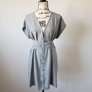 Hummingbird V Neck Tie Back Dress Large
